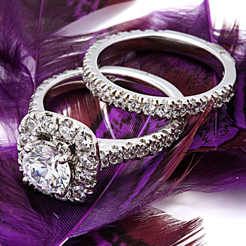 High Quality Cubic Zirconia Platinum Engagement Ring Set